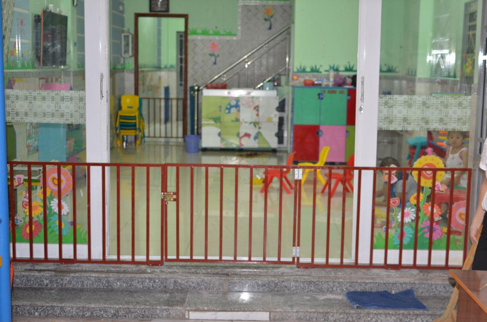 chặn cầu thang nhà trẻ 05_Nice Garden Việt Nam